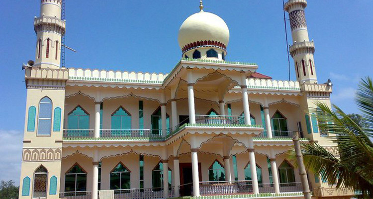 Places to Visit  Dargah Sharif of Yemmemadu, Coorg